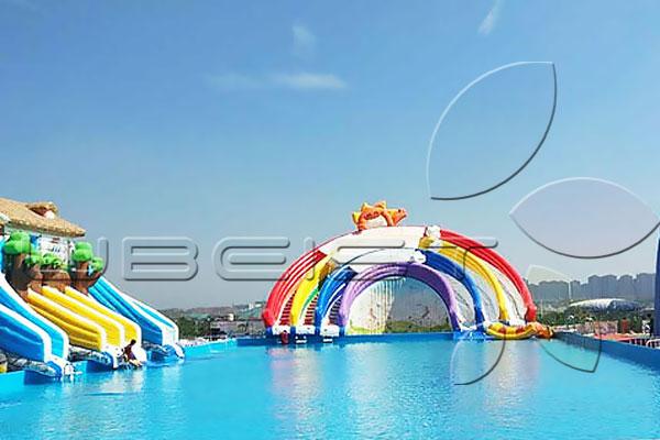 彩虹水滑梯